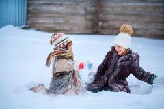 Μικρά κορίτσια ευτυχή Στοκ εικόνες με δικαίωμα ελεύθερης χρήσης