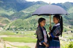 Μικρά κορίτσια HMong στο Βιετνάμ Στοκ Φωτογραφία