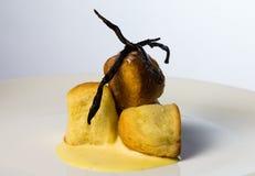 Μικρά κουλούρια ζύμης με την κρέμα Στοκ Φωτογραφίες