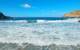 Μικρά κύματα σε L'Argentiera Στοκ Εικόνες