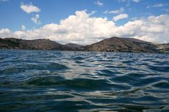 Μικρά κύματα στο νερό! Στοκ φωτογραφία με δικαίωμα ελεύθερης χρήσης