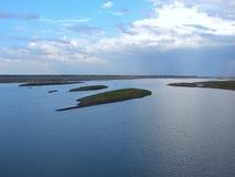 Μικρά νησιά στον ποταμό Krishna, Karnataka, Ινδία Στοκ εικόνες με δικαίωμα ελεύθερης χρήσης