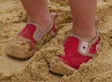 μικρά παπούτσια παραλιών Στοκ Εικόνες
