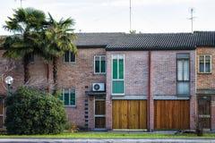 Μικρά παραδοσιακά σπίτια στην Ιταλία Στοκ Εικόνες