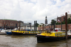 Μικρά παλαιά σκάφη στο Αμβούργο Στοκ εικόνες με δικαίωμα ελεύθερης χρήσης