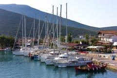 Μικρές βάρκες στα ελληνικά στοκ εικόνες
