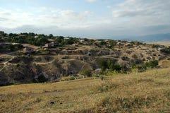 Μικρές είσοδοι σπηλιών σε Tegh, Ναγκόρνο-Καραμπάχ, Αρμενία Στοκ φωτογραφίες με δικαίωμα ελεύθερης χρήσης