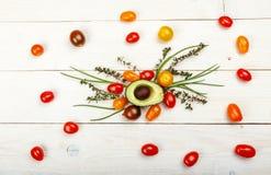 Μικρές ζωηρόχρωμες ντομάτες κερασιών οικογενειακών κειμηλίων Στοκ φωτογραφία με δικαίωμα ελεύθερης χρήσης