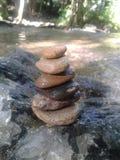 Μικρές κοίτες με τη σύσταση πολλών πετρών και βράχων backgroun Στοκ Φωτογραφία