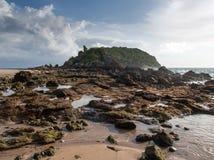 Μικρές νησί και πέτρες στην παραλία Στοκ φωτογραφίες με δικαίωμα ελεύθερης χρήσης