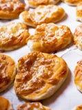 Μικρές πίτσες πέρα από το λεκιάζοντας έγγραφο Στοκ φωτογραφία με δικαίωμα ελεύθερης χρήσης
