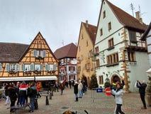 Μικρές πόλεις που διακοσμούνται για τα Χριστούγεννα Στρασβούργο - Αλσατία, Γαλλία Στοκ φωτογραφίες με δικαίωμα ελεύθερης χρήσης