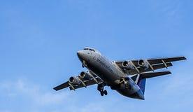 Μικρής απόστασης επιβατικό αεροπλάνο αερογραμμών των Βρυξελλών BAe 146/Avro RJ100 Στοκ φωτογραφία με δικαίωμα ελεύθερης χρήσης