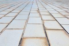 Μικρής κλίμακας σύσταση υποβάθρου του παλαιού άσπρου πεζοδρομίου κεραμιδιών Στοκ εικόνα με δικαίωμα ελεύθερης χρήσης