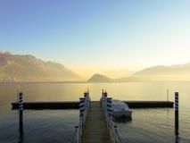 Μικρή αποβάθρα στη λίμνη Como Στοκ Φωτογραφίες