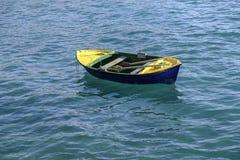 Μικρή βάρκα σειρών Στοκ Φωτογραφία