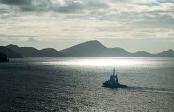 Μικρή βάρκα στα καραϊβικά νερά Στοκ Φωτογραφία