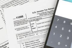 Μικρή επιστροφή φόρου εισοδήματος εταιριών εντύπου 1120S IRS Στοκ Φωτογραφίες
