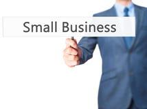 Μικρή επιχείρηση - σημάδι εκμετάλλευσης χεριών επιχειρηματιών Στοκ φωτογραφία με δικαίωμα ελεύθερης χρήσης