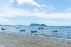 Μικρή περιοχή AO Prachuap αλιευτικών σκαφών, επαρχία Prachuap Khiri Khan στη νότια Ταϊλάνδη Στοκ εικόνες με δικαίωμα ελεύθερης χρήσης