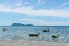 Μικρή περιοχή AO Prachuap αλιευτικών σκαφών, επαρχία Prachuap Khiri Khan στη νότια Ταϊλάνδη Στοκ Φωτογραφία