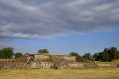 Μικρή πυραμίδα στη archeological περιοχή Teotihuacan, Μεξικό Στοκ φωτογραφία με δικαίωμα ελεύθερης χρήσης