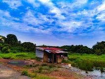 Μικρή του χωριού καλύβα στοκ εικόνα