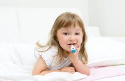 μικροί άρρωστοι κοριτσιών Στοκ φωτογραφίες με δικαίωμα ελεύθερης χρήσης