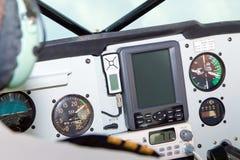 Μικροί μετρητές και εξοπλισμός ναυσιπλοΐας πιλοτηρίων αεροσκαφών Στοκ Εικόνες