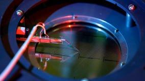Μικροηλεκτρονικός prober εξοπλισμός στην εξεταστική εργασία απόθεμα βίντεο