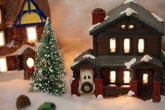 Μικροσκοπική του χωριού σκηνή Χριστουγέννων Στοκ φωτογραφία με δικαίωμα ελεύθερης χρήσης
