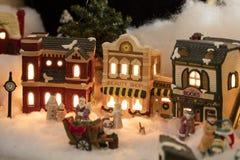Μικροσκοπική του χωριού σκηνή Χριστουγέννων Στοκ Φωτογραφίες