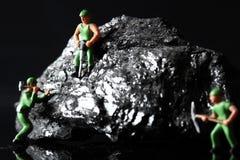 Μικροσκοπικοί ανθρακωρύχοι άνθρακα Στοκ εικόνα με δικαίωμα ελεύθερης χρήσης
