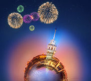 Μικροσκοπικός γήινος πλανήτης με όλα τα κτήρια, την έλξη και τα πυροτεχνήματα της Ιστανμπούλ Στοκ Εικόνες