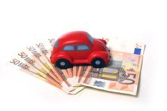 Μικροσκοπικό αυτοκίνητο και ευρο- τραπεζογραμμάτια 01 Στοκ εικόνα με δικαίωμα ελεύθερης χρήσης