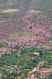 Μικροσκοπικό χωριό berber στην όαση των υψηλών βουνών ατλάντων Στοκ Φωτογραφία