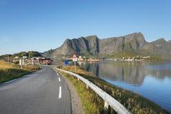 Μικρού χωριού Reine στα νησιά Lofoten στη Νορβηγία Στοκ Εικόνες