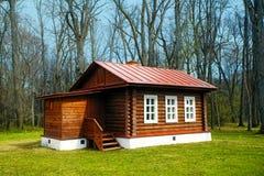 μικρός ξύλινος σπιτιών Στοκ εικόνα με δικαίωμα ελεύθερης χρήσης