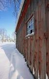 μικρός ξύλινος υπόστεγων Στοκ φωτογραφία με δικαίωμα ελεύθερης χρήσης