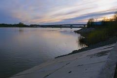Μικρός ποταμός γεφυρών cherz στο Tom Στοκ Εικόνες