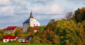 Μικρός πύργος στο χωριό Στοκ Εικόνες