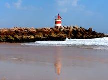 Μικρός φάρος στην παραλία Ilha de Ταβίρα Αλγκάρβε Πορτογαλία Στοκ Εικόνες