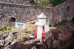 Μικρός φάρος στο βράχο Στοκ εικόνα με δικαίωμα ελεύθερης χρήσης
