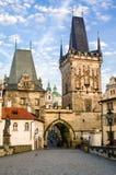 Μικρότερος πύργος πόλης γεφυρών, Mala Strana, από τη γέφυρα του Charles Στοκ Φωτογραφίες