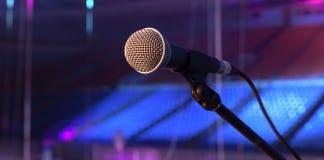 μικρόφωνο στο στάδιο Στοκ φωτογραφίες με δικαίωμα ελεύθερης χρήσης