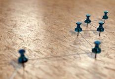 Μικρό δίκτυο των καρφιτσών & x28 Thumbtack& x29  Υπόβαθρο που προτείνει ένα δίκτυο των συνδέσεων Οντότητες σύνδεσης τρισδιάστατη  Στοκ φωτογραφία με δικαίωμα ελεύθερης χρήσης