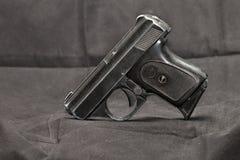 Μικρό αυτόματο πιστόλι Στοκ Εικόνες