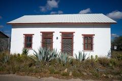 Μικρό εγκαταλειμμένο νότιο σπίτι στο Τέξας στοκ φωτογραφίες