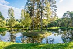 Μικρό ημερησίως φθινοπώρου νησιών Στοκ φωτογραφίες με δικαίωμα ελεύθερης χρήσης