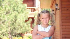 Μικρό κορίτσι καλοκαίρι απόθεμα βίντεο